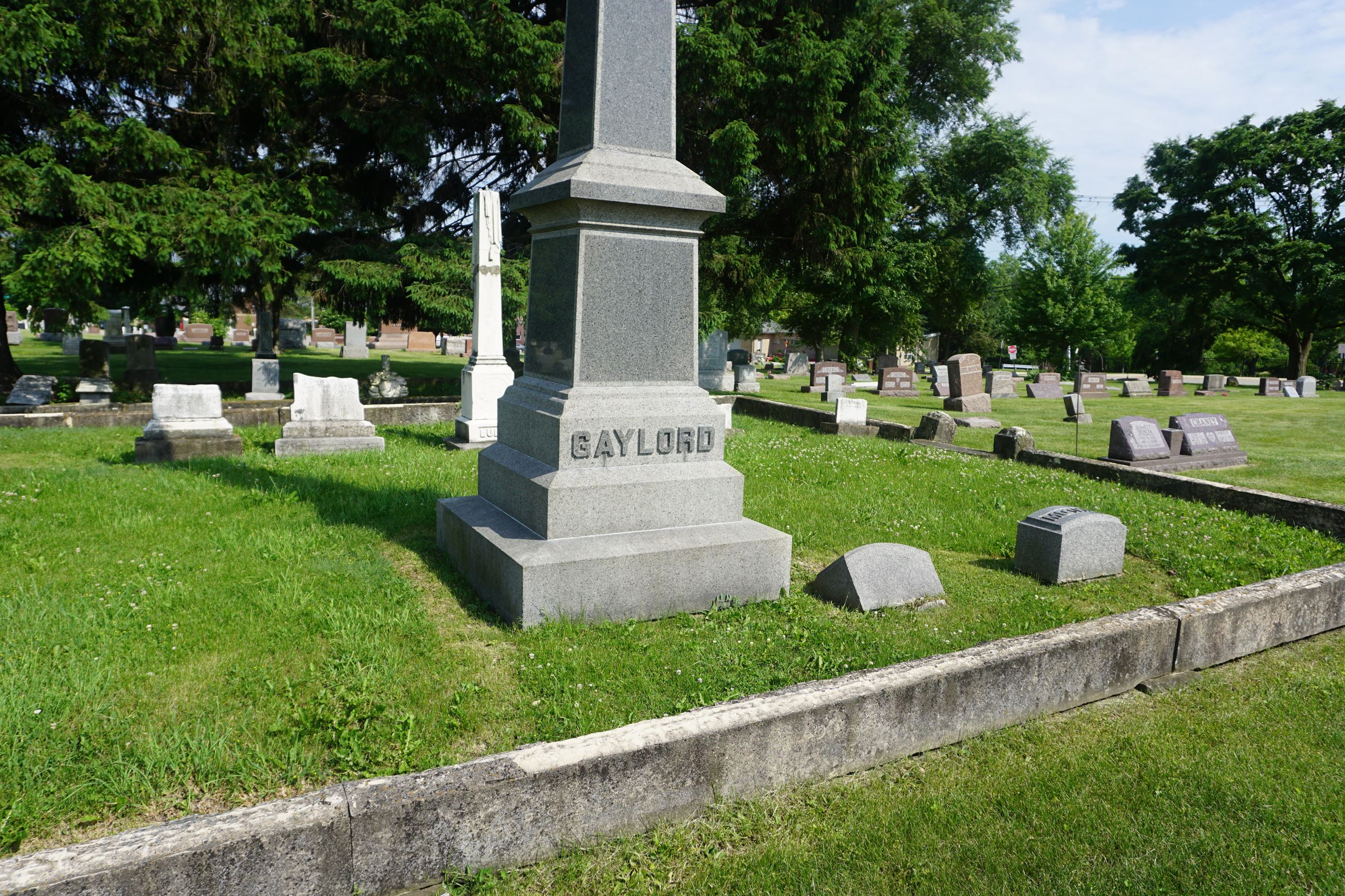 Lockport City Cemetery